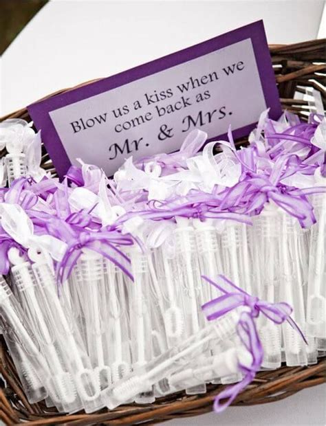 Wedding Giveaways by Best 25 Wedding Giveaways Ideas On Unique