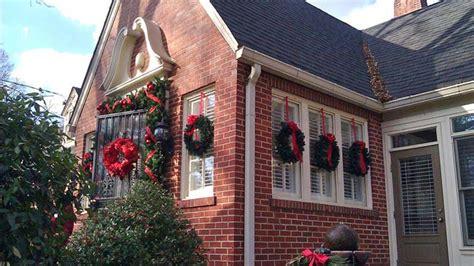 images of christmas wreaths on windows christmas historic home tour