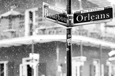 Sv3547 St Black And White photo print of bourbon rainy day quarter new orleans black and white print framed