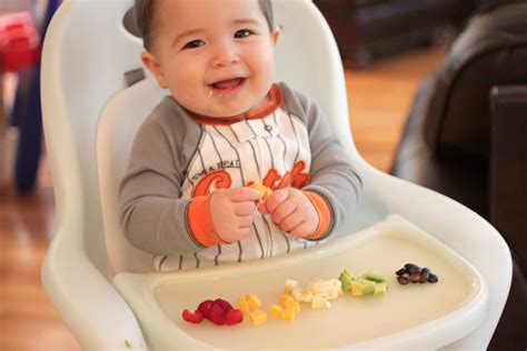 when can babies eat table food when can babies eat cheese new kids center