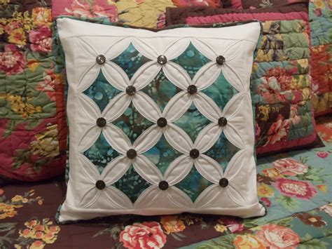 Cathedral Window Patchwork Tutorial - live a colorful the name needled