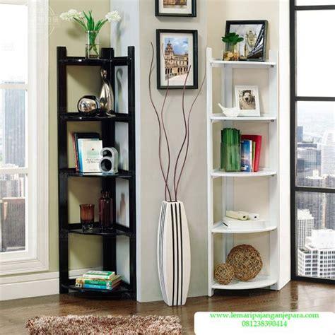 jual lemari hias sudut model lemari hias minimalis dengan