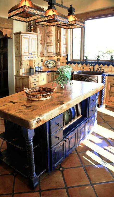 Excepcional  Islas Para Cocina #5: Meuble-bleu-canard-cuisine-bleu-canard-style-rustique-carrelage-en-marron-clair-et-gris-cr%C3%A9dence-avec-des-%C3%A9l%C3%A9ments-d%C3%A9co-en-bleu-canard.jpg