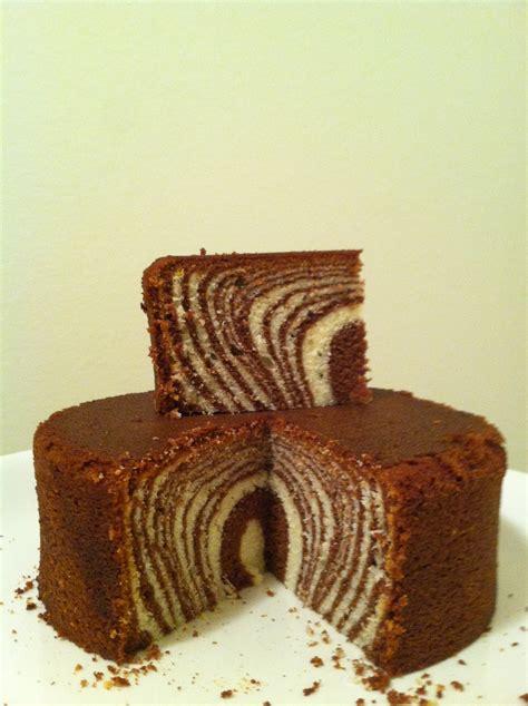 zebra pattern inside cake julie bakes zebra cakes