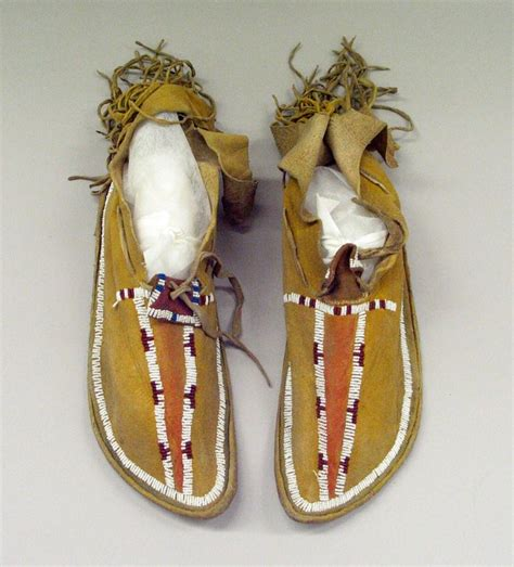 how to bead moccasins moccasin beaded moccasins
