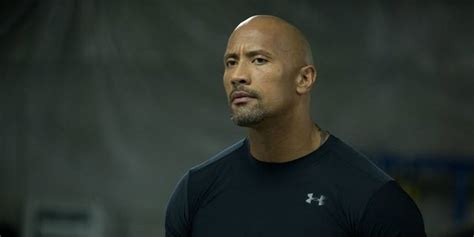 dwayne johnson biography amazon foto di dwayne johnson screenweek