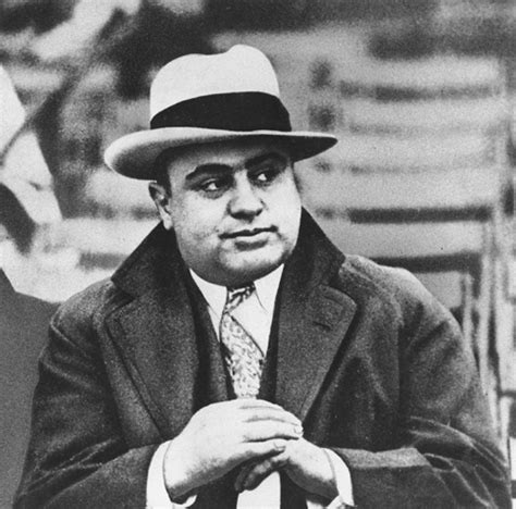 al capone s wars a complete history of organized crime in chicago during prohibition books the st s day