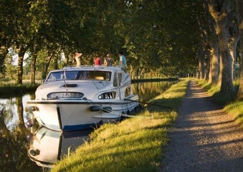 le boat france summer getaways with le boat holiday ideas complete france