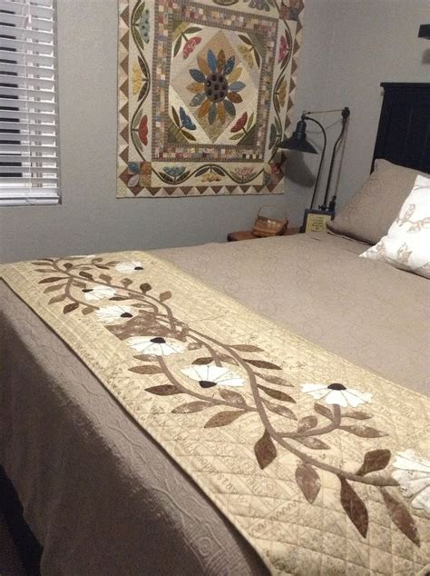 Bed Runner Quilt by 25 Best Ideas About Bed Runner On Embroidered