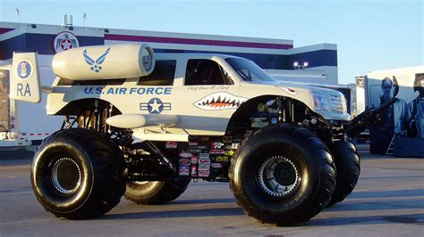 video of monster truck monster truck some amazing wallpapers images high