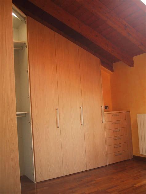 cabina armadio per mansarda armadio per mansarda angolare su misura idfdesign