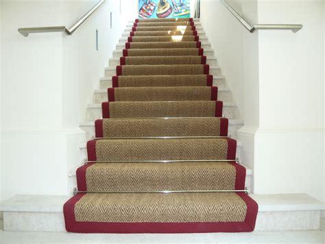 treppe mit teppich stiegenteppich gembinski teppiche