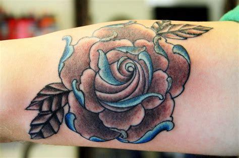 disenos tatuajes de rosas para hombre tatuajes de rosas para hombres