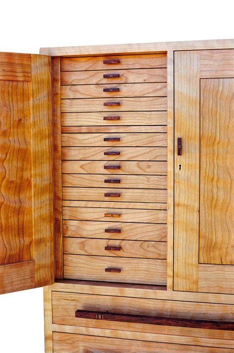 twenty  jewelry drawers   locking