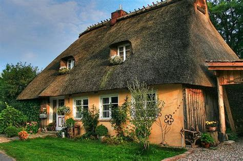 Cottages Germany by The Beautiful Thatched Roofed Houses In Schleswig Holstein