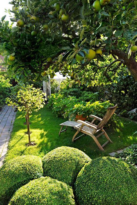 Amenagement Petit Jardin by Am 233 Nagement Petit Jardin Dans L Arri 232 Re Cour Id 233 Es Modernes