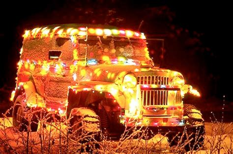 12 crazy christmas decorated cars