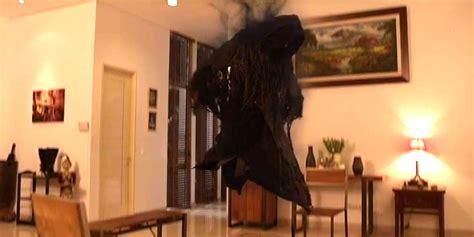 sinopsis film hantu nina bobo horor terbaru oo nina bobo rilis trailer mencekam