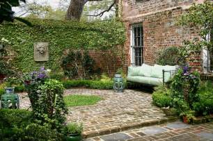 Small Walled Garden Design Ideas A Curious Gardener Southern Courtyard Gardens