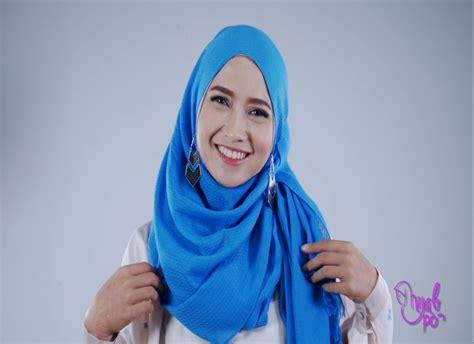 tutorial hijab menggunakan anting kreasi hijab simple dengan anting ala pandan sari
