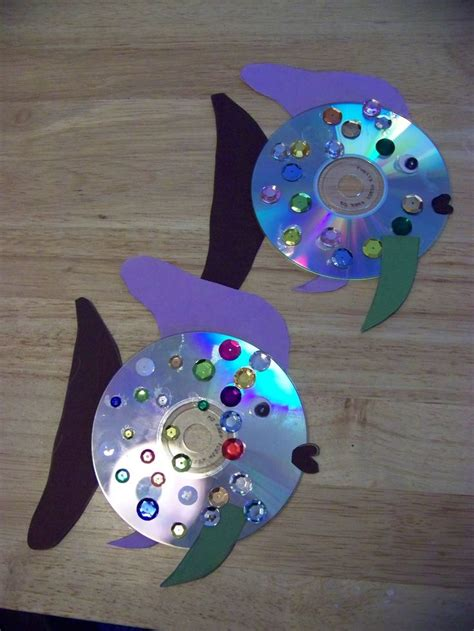 crafts made out of construction paper 25 best ideas about cd fish crafts on cd fish