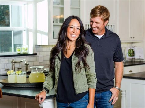 cast of fixer upper here s how you can be cast on hgtv s quot fixer upper quot home