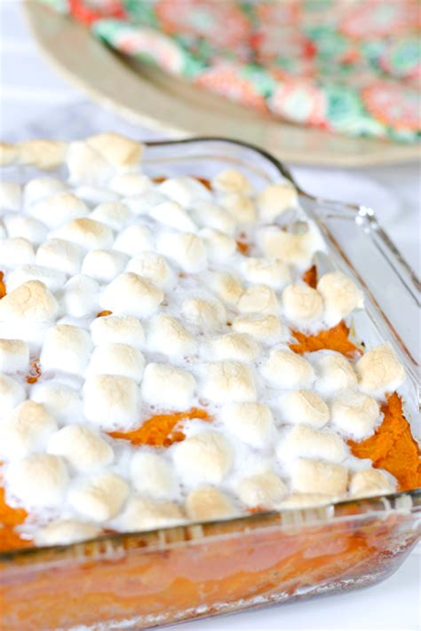 how to make easy sweet potato casserole with marshmallows