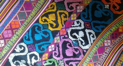 Kain Batik Corak Emas X 26 54 best beautiful fabrics from indonesia and beyond images on textile patterns