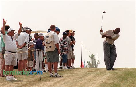golf swing hitch charles barkley in celebrity golf tournament 1998