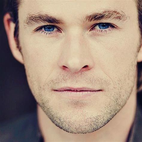 actor with bright blue eyes post a picture of an actor who has nice eyes hottest