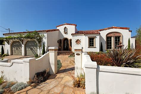 spanish mediterranean style homes spanish hacienda style spanish hacienda style homes lajollaresidential index