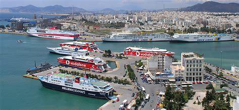 il porto il porto pireo atene