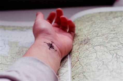 tattoo hand placement original size of image 622538 favim com