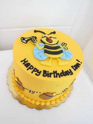 honey bee birthday cake polkadots olga flickr