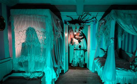 haunted houses chicago haunted houses for chicago 2016 hartford courant