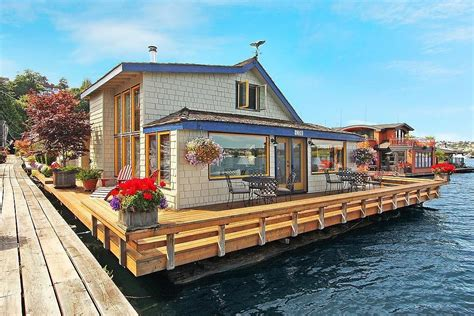 boat house for rent seattle sleepless in seattle houseboat sold popsugar home