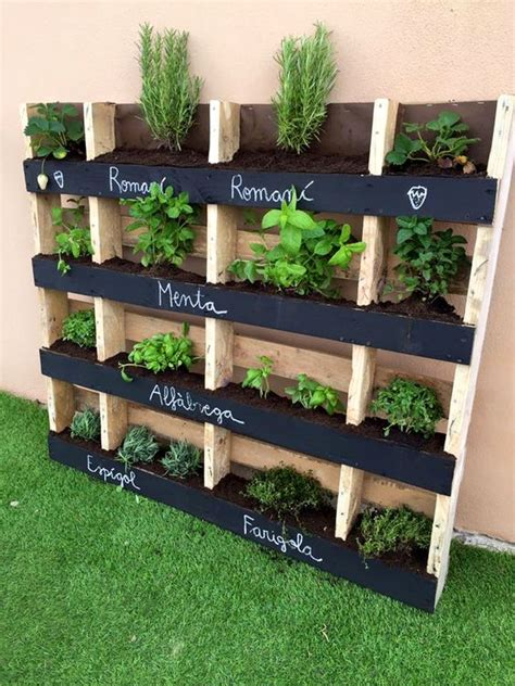 giardino verticale pallet wooden pallet vertical herb garden 130 inspired wood