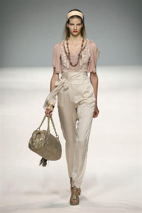 Milan Fashion Week Day 5 Up by Blugirl At Milan Fashion Week 2010 Livingly