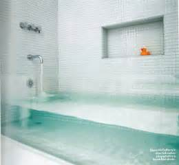 clear glass bathtub design