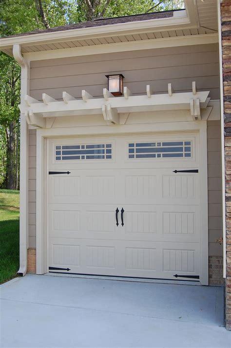 Garage Door Pergola by This Pergola Trellis Above The Garage Door Honey