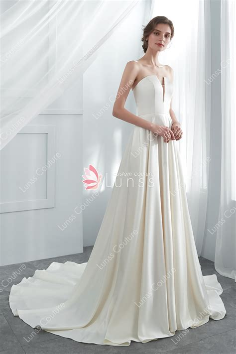 Cream Classic Strapless Long High End Satin Wedding Gown
