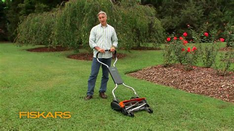 fiskars momentum  eco friendly push reel lawn mower