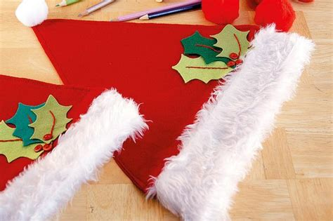 how to make christmas hats easy diy decoration ideas including how to make santa hats and