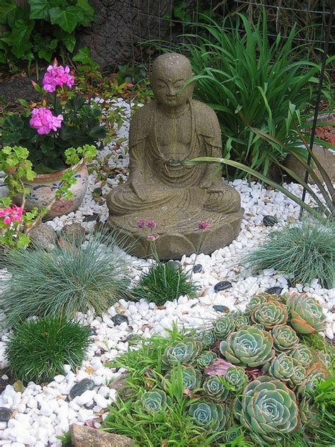 Decor Stones For Garden Cheap Diy Decor To Make Your Garden Look Like A Professional Has Did It