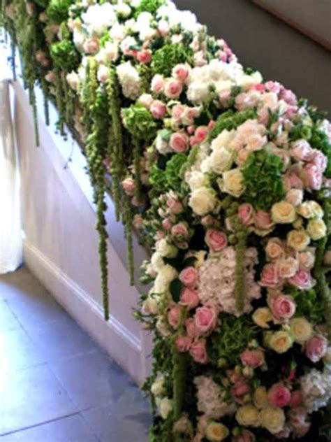 Banisters Flowers by Fabulous Florist Robbie Honey Flirty