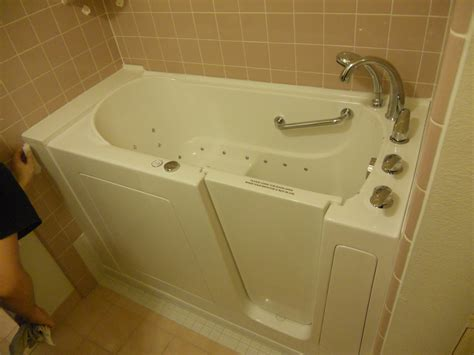 used walk in bathtubs walk in bathtub installation 28 images illinois walk