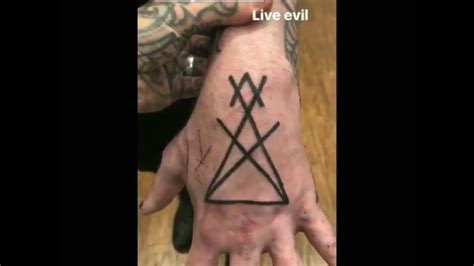 marilyn manson tattoos marilyn s new symbol for lucifer say 10