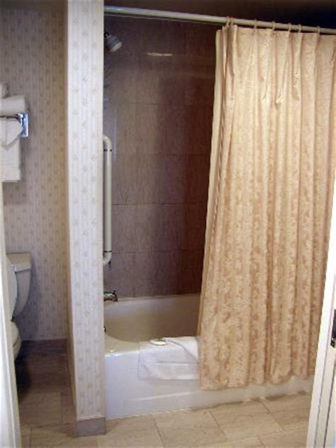shower curtain small bathroom decorating ideas on a budget