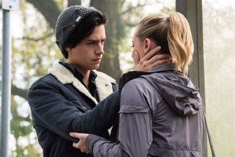 So How Do You Make Betty Screencaps by Riverdale Jughead And Betty Gifs Popsugar Entertainment