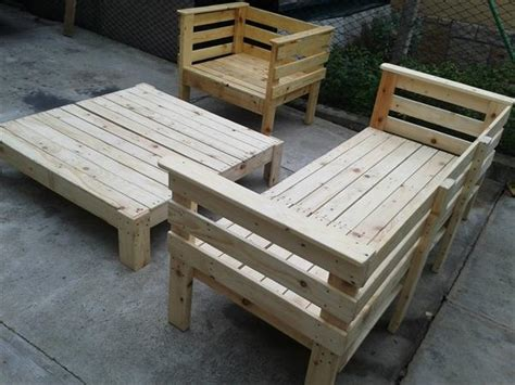 patio furniture with pallets pallet outdoor furniture set 101 pallets